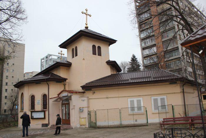 """Biserica """"Sfânta Parascheva"""", la ale cărei picturi interioare a contribuit și Daniel Turcea"""